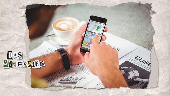 Teasergrafik Altpapier vom 18. Juni 2019: Hand dmit Smartphone auf einer Zeitung mit einer Tasse Kaffee