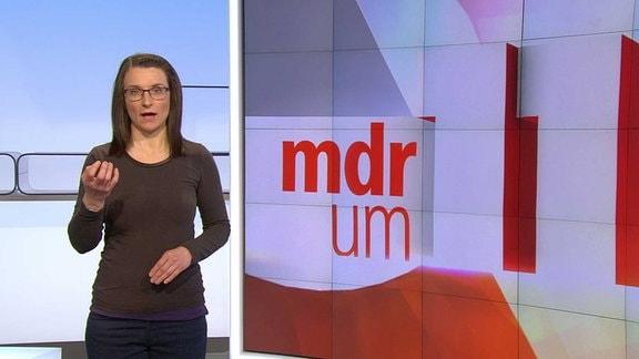 """Gebärdensprachdolmetscherin Bettina Schwarz zeigt diesmal den Begriff """"Tomatenzüchter""""."""
