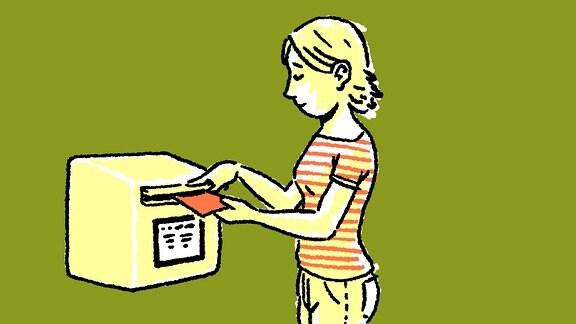 Eine Frau wirft einen roten Brief-Umschlag in einen Brief-Kasten.