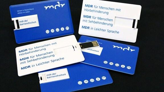 MDR-Broschüre der Barrierefreiheit im Scheckkartenformat.