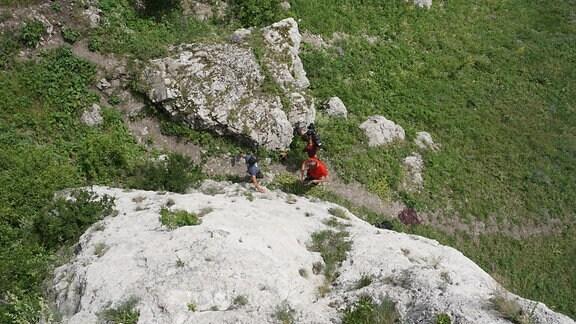 04 Klettern, Wild Ost Chef Dieter Schneider und Biwak Moderator Thorsten Kutschke am Einstieg