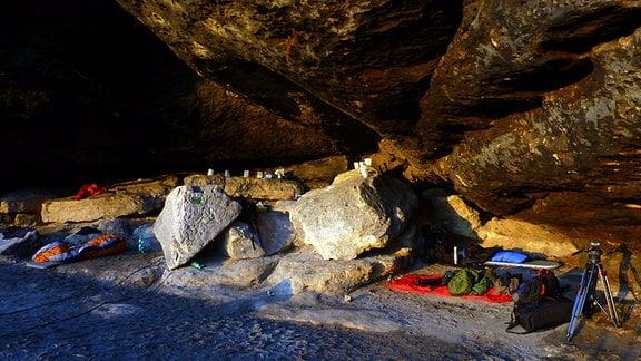 Nachtquartier unterm steinernen Überhang – Boofen hat in der Sächsischen Schweiz eine lange Tradition
