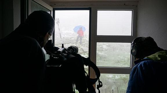Wetterküche im Fagaras-Gebirge: Dreharbeiten aus der Podragu-Hütte.