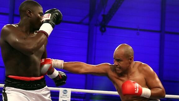 Peter Kadiru gegen Pedro Martinez - Heavyweight