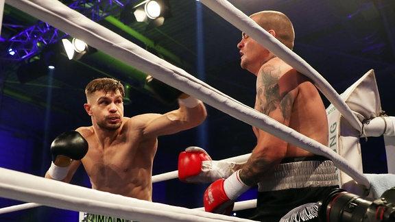 Roman Fress gegen David Vicena - Cruiserweight