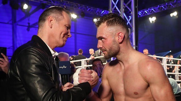 Dominic Bösel SES Boxing trifft nach seinem Sieg sein großes Idol Henry Maske