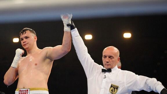 Ilja Mezencev gewinnt den Kampf