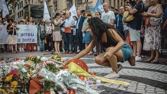 Barcelona gedenkt der Opfer von Las Ramblas