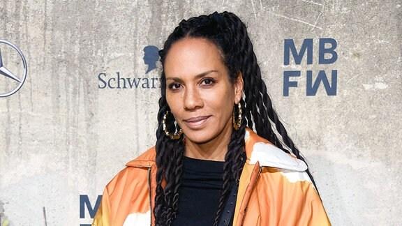 Barbara Becker bei der Odeeh Fashion Show im Rahmen der MBFW auf der Berlin Fashion Week.