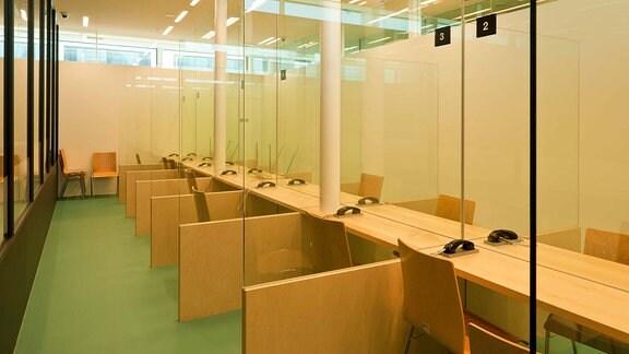 Ein Besucherzimmer in einer JVA