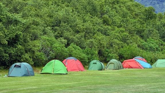 Zelte auf einem Zeltplatz