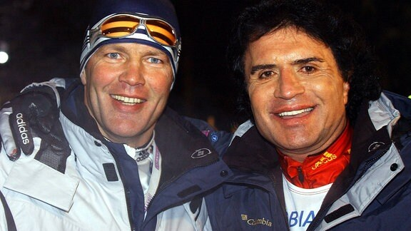 Henry Maske (Deutschland / Team Olympiasieger, li.) und Schlagersänger Costa Cordalis
