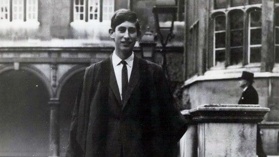 Prinz Charles in seiner akademischen Robe am Trinity College.