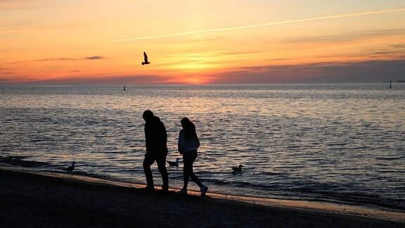 Abendstimmung am Strand von Warnemünde