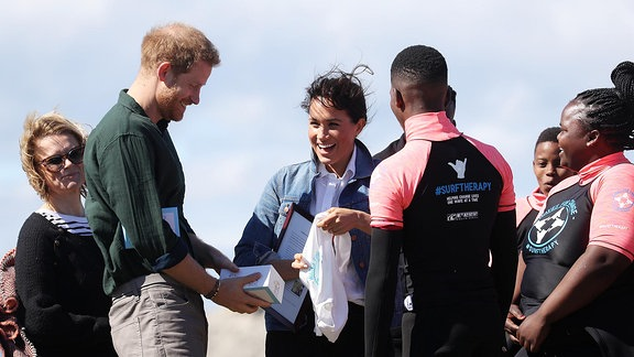 Meghan und Prinz Harry in Afrika.