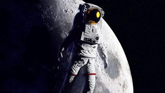 Illustration - Astronaut schwebt vor dem Mond im All.