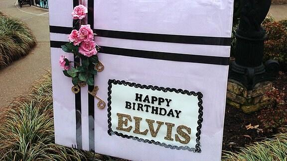Glückwünsche für Elvis Presley