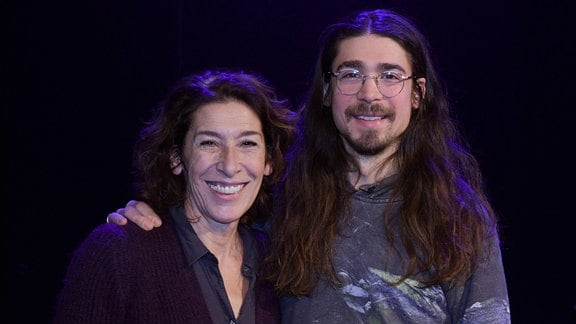 Adele Neuhauser und Julian Adam Pajzs
