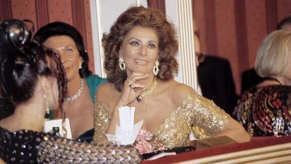 Sophia Loren als Gast von Richard Lugner auf dem Wiener Opernball
