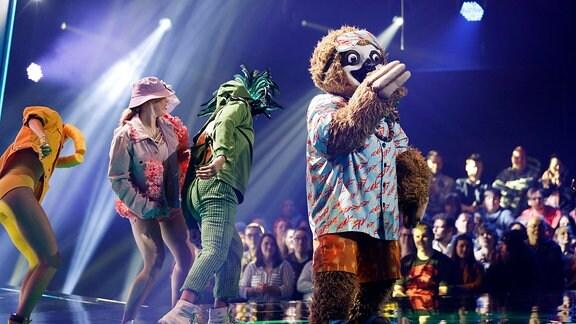 Das Faultier in der 1. Live Show der 2. Staffel The Masked Singer.