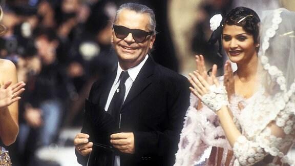 Helena Christensen mit Karl Lagerfeld