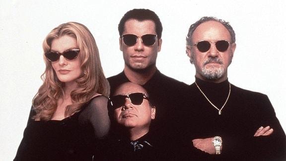 Gruppenfoto mehrerer Schauspieler aus dem Film ''Schnappt Shorty''.