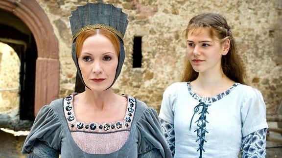 Katja Flint als Zauberin und Llewellyn Reichman als Jorinde