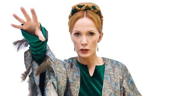 Katja Flint als Zauberin