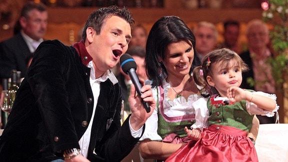 Sänger Marc Pircher ( AUT ) mit seiner Ehefrau Michaela und Tochter Anna