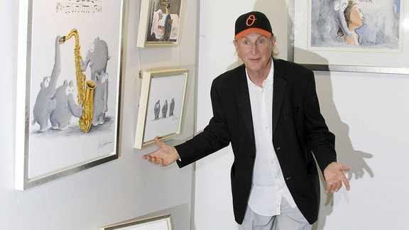 Otto Waalkes bei der Otto Waalkes Ausstellung in der Udo Lindenberg and more Galerie
