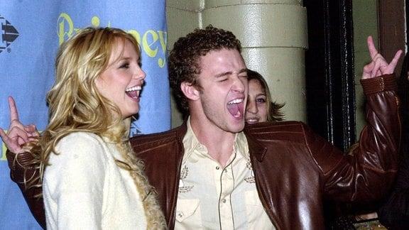Britney Spears ausgelassen mit Justin Timberlake
