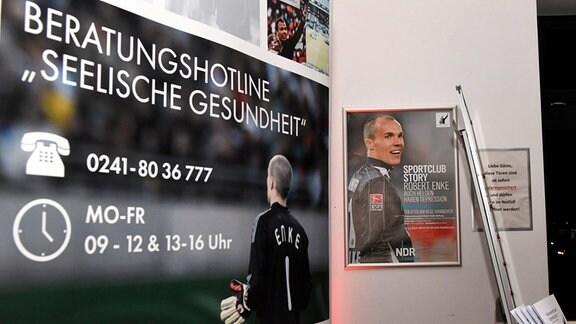 Infostand bei der Preview der NDR-Sendung Sportclub Story: Robert Enke - Auch Helden haben Depression im Theater am Aegi, Hannover.