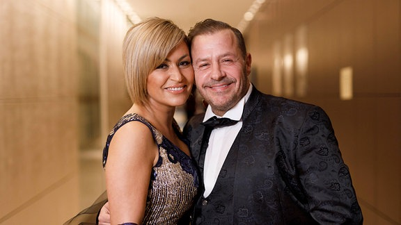 Willi Herren mit Ehefrau Jasmin Jennewein bei der 13. Dorint Charity Sports Night 2019