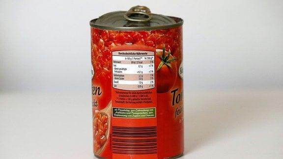 Nährwerttabelle auf einer Dose Tomaten