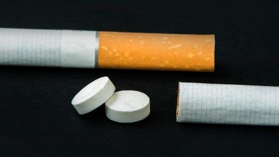 Zigaretten und Tabletten