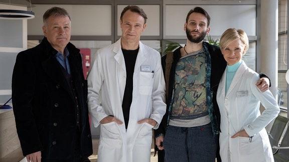 Thomas Rühmann, Bernhard Bettermann, Tim Bettermann , Andrea Kathrin Loewig am Set