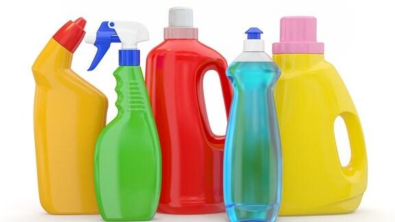verschiedene Wasch- und Putzmittel