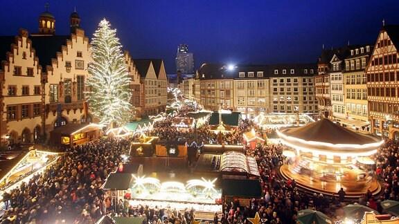 Weihnachtsmarkt auf dem Römerberg in Frankfurt