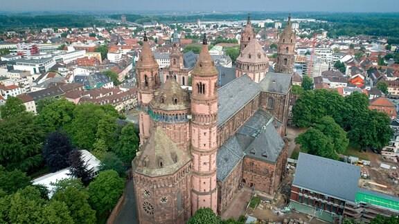 Luftaufnahme von Worms mit dem Dom St. Peter