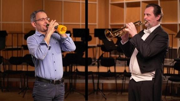 Ekkehard Vogler spielt auf einer Gemüsetrompete zusammen mit Gerd Fischer aus dem MDR-Sinfonieorchester, der auf einer herkömmlichen Trompete spielt.