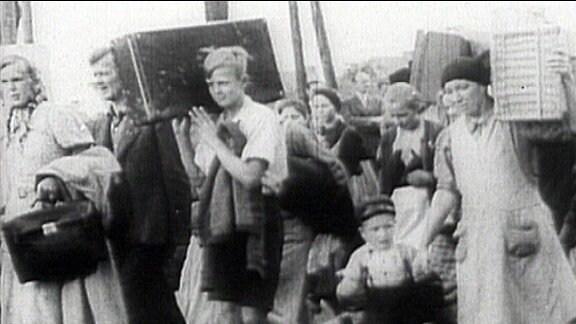 """Die sogenannte """"wilde Vertreibung"""" aus den deutschen Ostgebieten beginnt bereits kurz nach Ende des 2. Weltkrieges."""