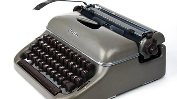 Mechanische Schreibmaschine Optima Elite 3 Hersteller: VEB Schreibmaschinenwerk, Erfurt, 1958 Design: Werksentwurf, basierend auf Optima M 10 von Horst Michel, 1948