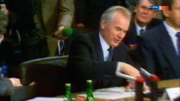 1990 Modrow in Bonn