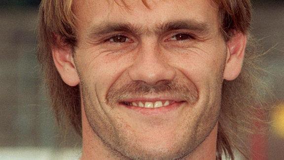 Die Aufnahme vom 14.07.1991 zeigt Bernd Hobsch, Spieler beim VfB Leipzig.