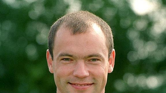 Uwe Rösler (geb. am 15.11.1968), Neuzugang von Manchester City, Stürmer, Rückennummer 20.