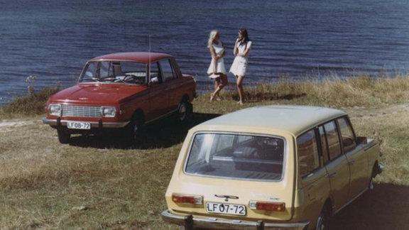 W 353 Limousine und Tourist am Strand
