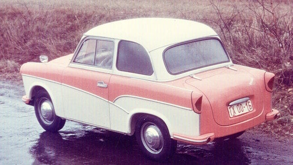 Trabant P 50 Limousine zweifarbig