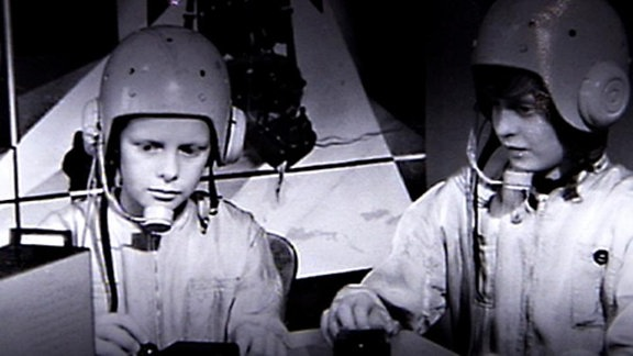 Junge Kosmonauten im Raumfahrtzentrum