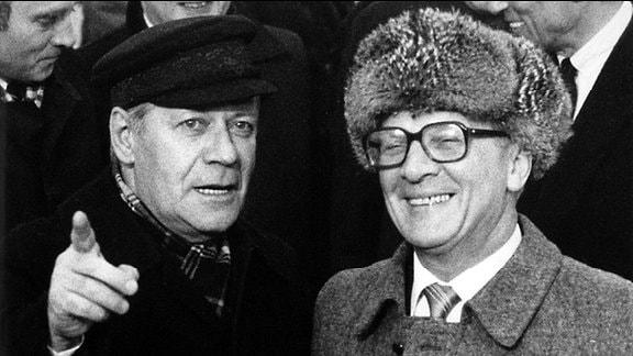 Helmut Schmidt und Erich Honecker 1981 in Ost-Berlin