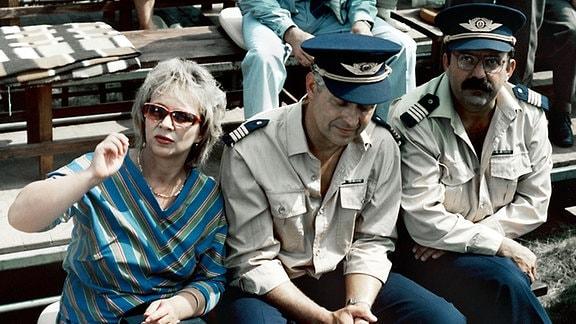 v.l.n.r.: Brigitte Meinecke (Madeleine Lierck), Kurt Meinecke (Jürgen Zartmann), Winfried Oppel (Günter Schubert).